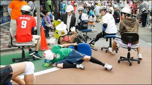 いす1GP-転倒する選手もいます
